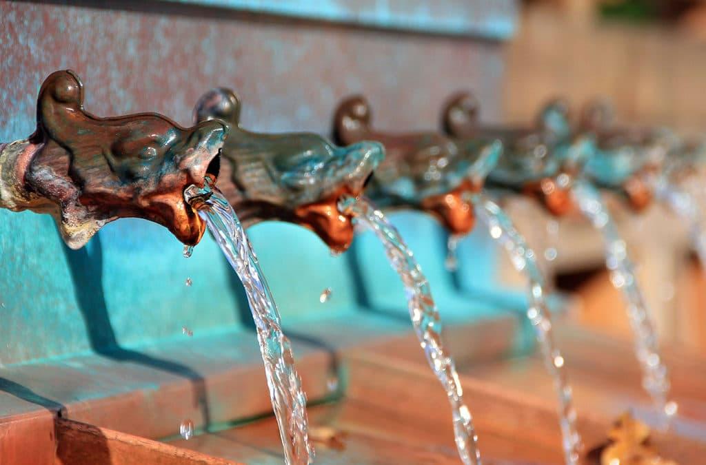 Naturopathie : eau du robinet ou en bouteille ?
