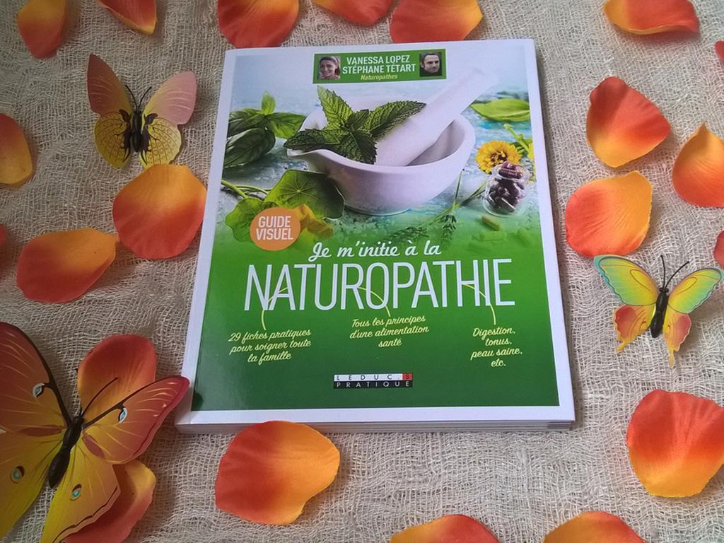 vanessa-lopez-blog-je-m-initie-a-la-naturopathie-livre-couverture