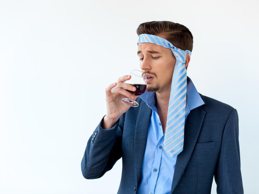vanessa-lopez-blog-naturopathie-eviter-lendemains-de-fetes-difficiles-boire-eau